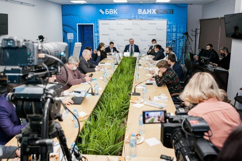 В Уфе на пресс-завтраке обсудили текущие и будущие проекты в дорожной инфраструктуре.